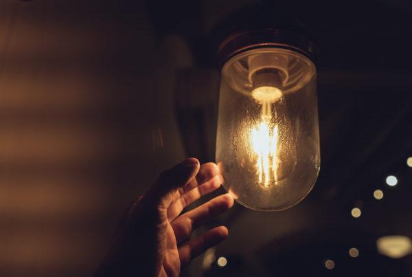 lampada1 600x403 - A luz do mundo